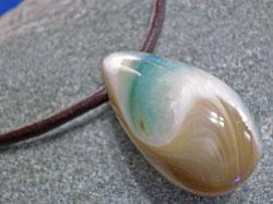 海からの贈り物★夜光貝(ヤコウガイ)ネックレス しずく