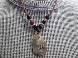 海からの贈り物★黒蝶貝ネックレス フィッシュフック
