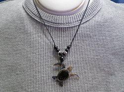 海からの贈り物★黒蝶貝チョーカー カメ(ホヌ)
