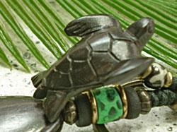 海モチーフ★ウッド(木彫り)キーホルダー カメ