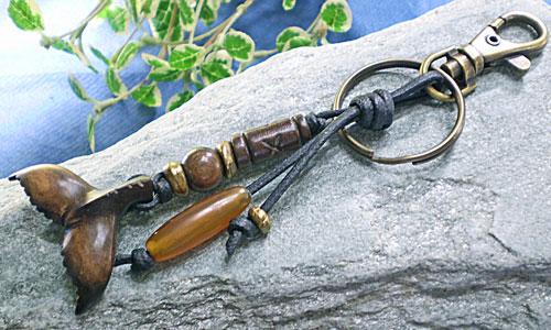 サーファー必見!ウッド(木彫り)キーホルダー テール